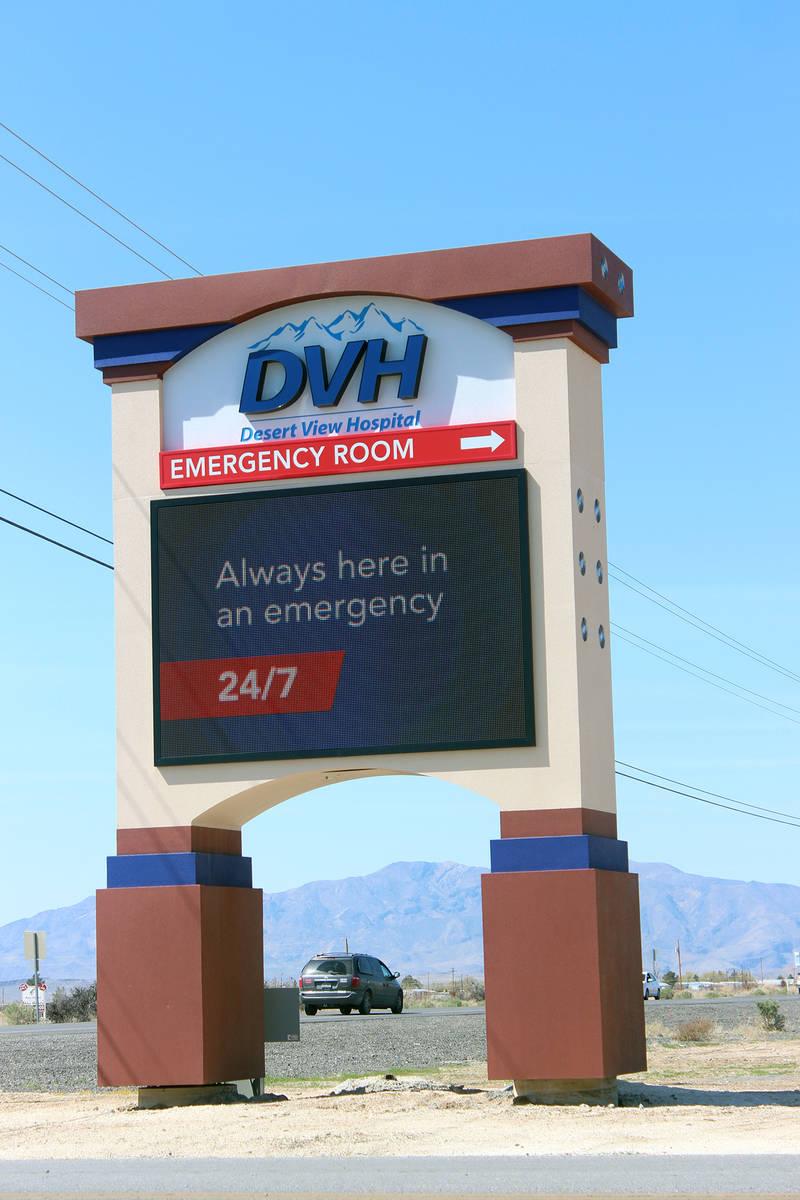 13875669_web1_Desert-View-sign.jpg