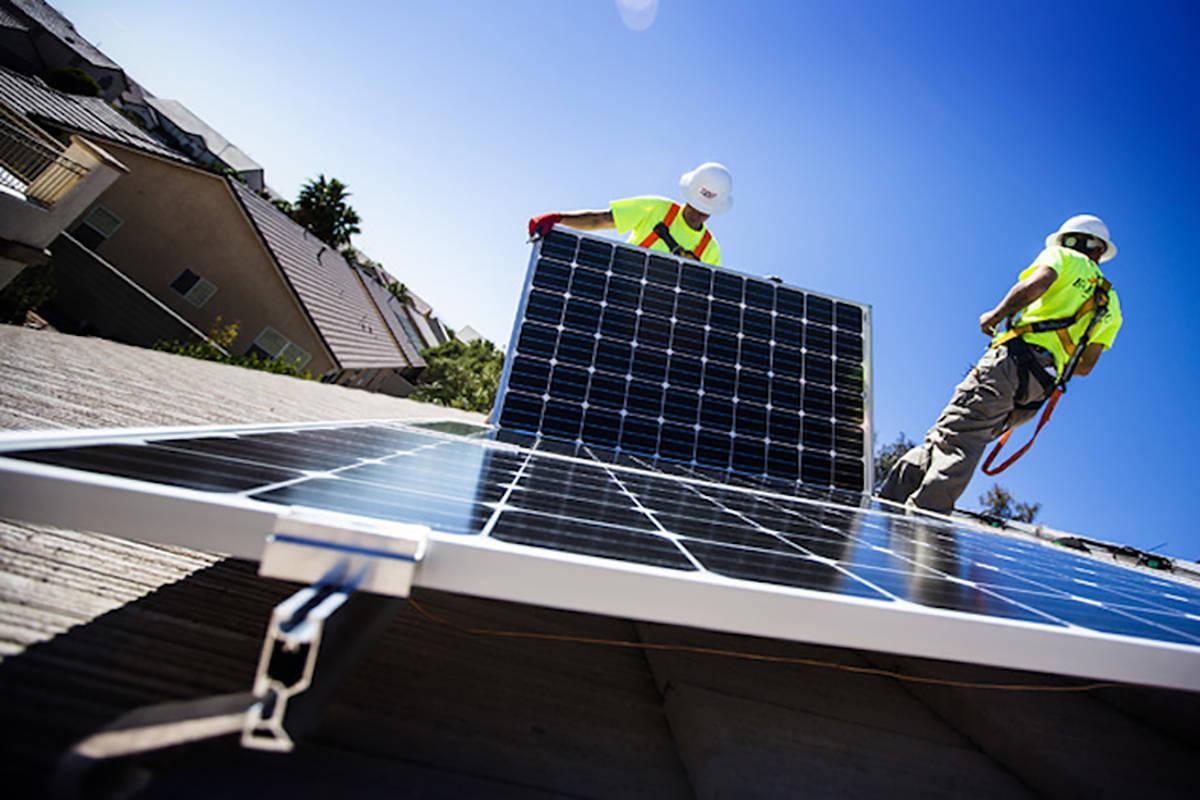 13917551_web1_rooftop-solar.jpg