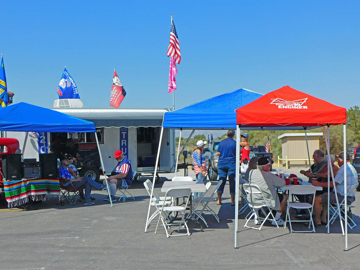 Robin Hebrock/Pahrump Valley Times The parking lot of the Coyote's Den and Big Dick's Pizza was ...