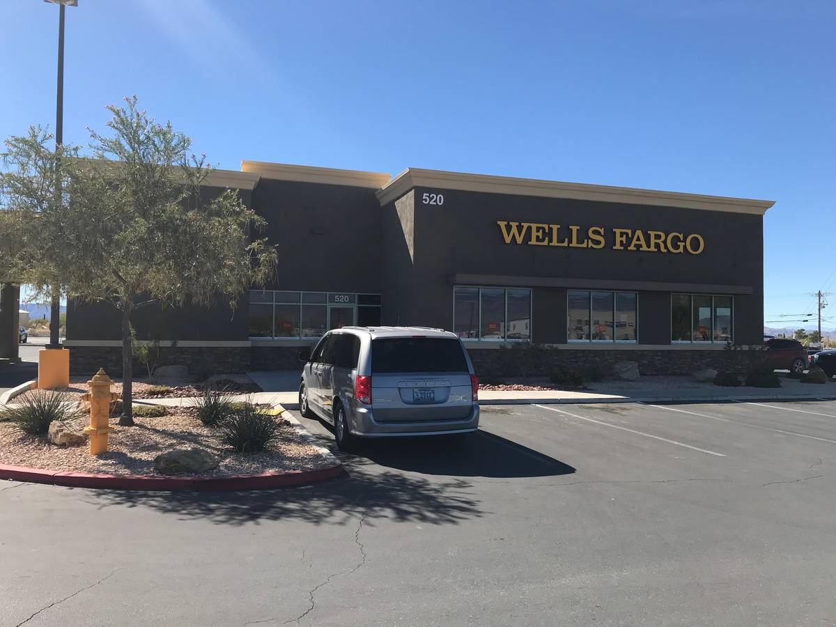 Jeffrey Meehan/Pahrump Valley Times Wells Fargo Bank at 520 S. Highway 160 on Oct. 20, 2017.
