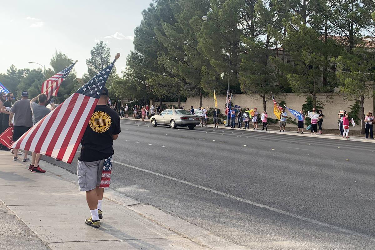 Alexis Ford/Las Vegas Review-Journal No Mask Nevada holds a rally near Gov. Steve Sisolak's s ...