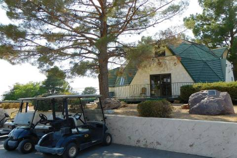 Robin Hebrock/Pahrump Valley Times Lakeview Executive Golf Course is located at 1471 E. Mount C ...