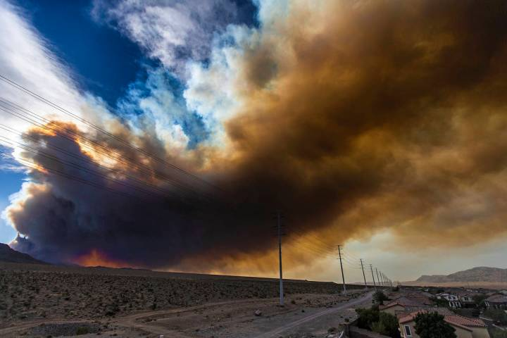 Benjamin Hager/Las Vegas Review-Journal Smoke from a wildfire at Mount Charleston moves across ...