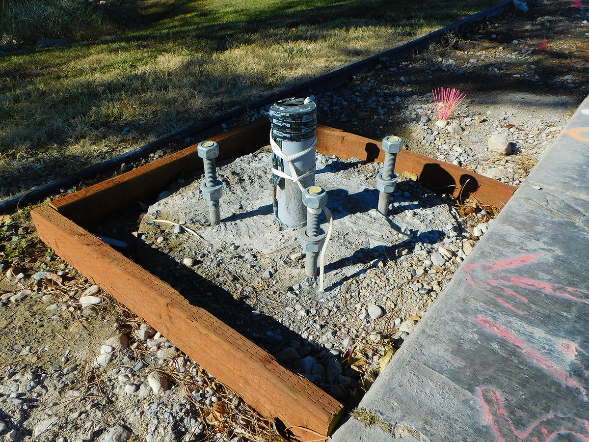 Robin Hebrock/Pahrump Valley Times Signal pole foundations for the flashing beacon that will sp ...
