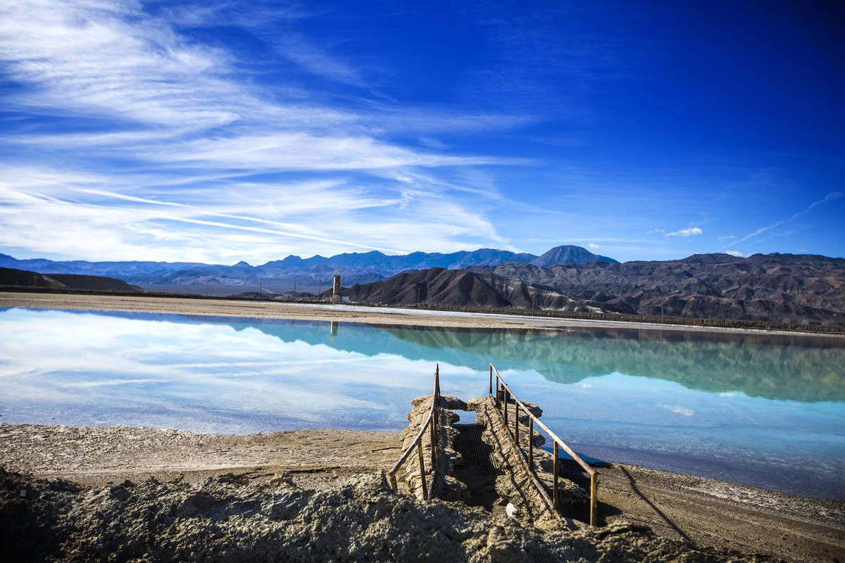 Jeff Scheid/Las Vegas Review-Journal A lithium brining pond near Silver Peak, Nev. is seen on ...