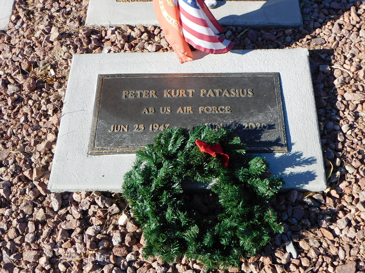 Robin Hebrock/Pahrump Valley Times Wreaths now decorate the graves of the men and women who ser ...