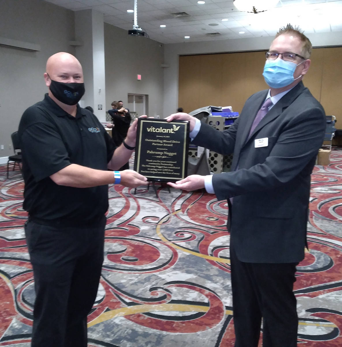 Selwyn Harris/Pahrump Valley Times Pahrump Nugget Assistant General Manager Darin Yunek, at lef ...