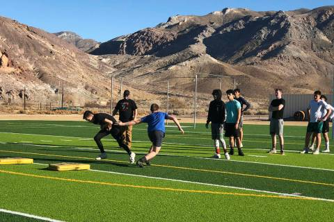 Tom Rysinski/Pahrump Valley Times Beatty football players line up during a conditioning drill J ...