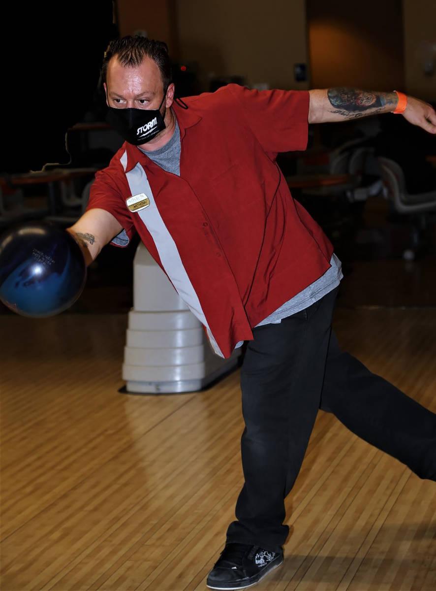 14842738_web1_Anthony-Matassa-bowling.jpg