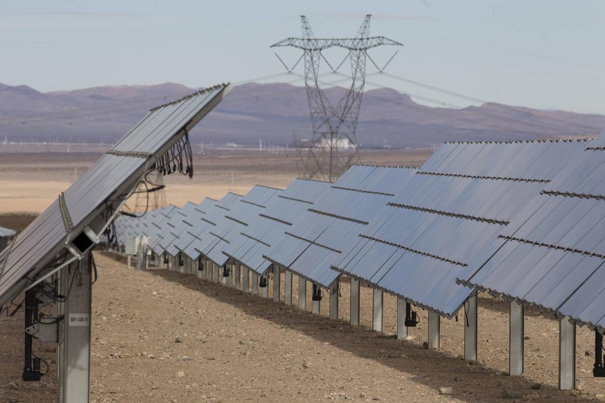 Erik Verduzco/Las Vegas Review-Journal The Silver State South Solar Energy Center in Primm on ...