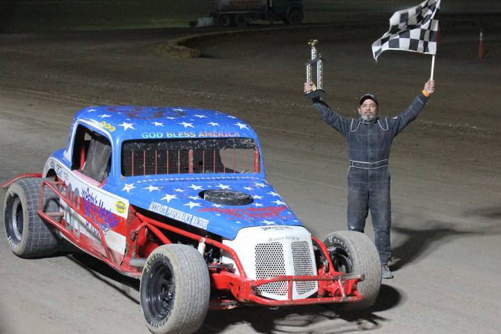 Digital Storm Photography/Special to the Pahrump Valley Times Mark Daub holds his trophy and th ...