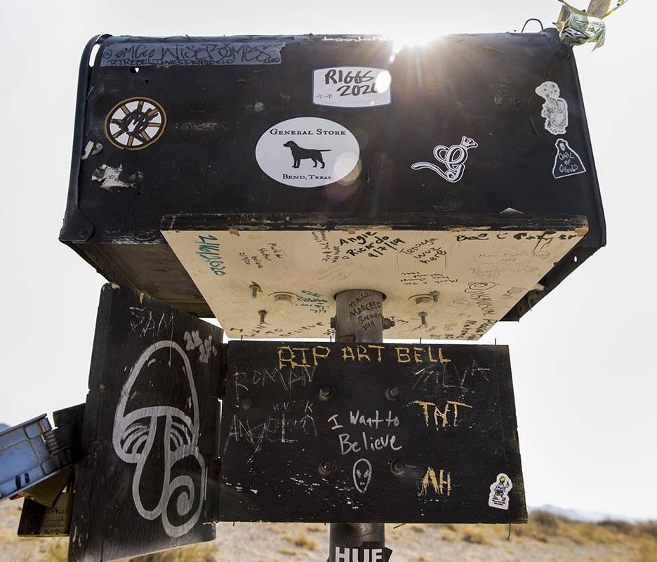 The famed Òblack mailboxÓ sits on S.R. 375 between Hiko and Rachel on Thursday, Sept. ...