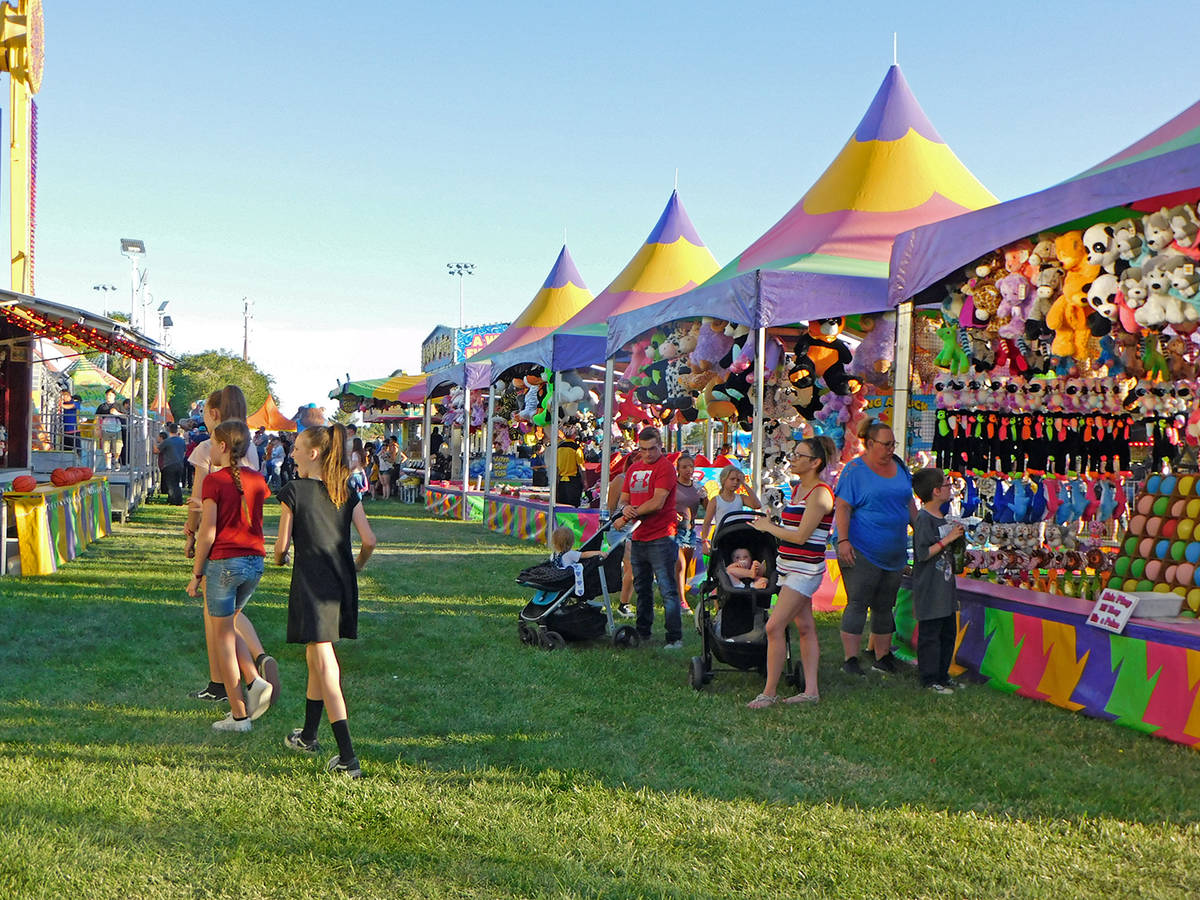 Robin Hebrock/Pahrump Valley Times The carnival included a midway with games.