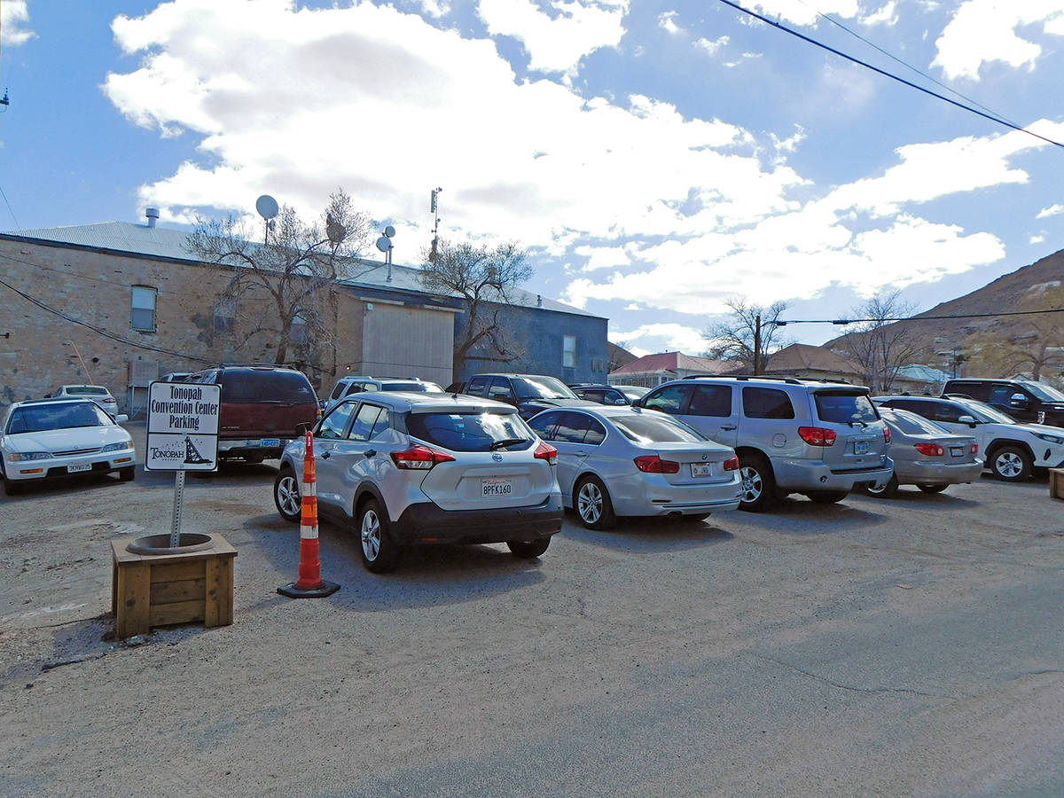 Robin Hebrock/Pahrump Valley Times The parking lot for the Tonopah Convention Center, shown her ...